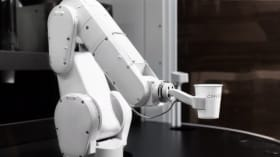 This Robot-Made Latte Is Better Than Starbucks