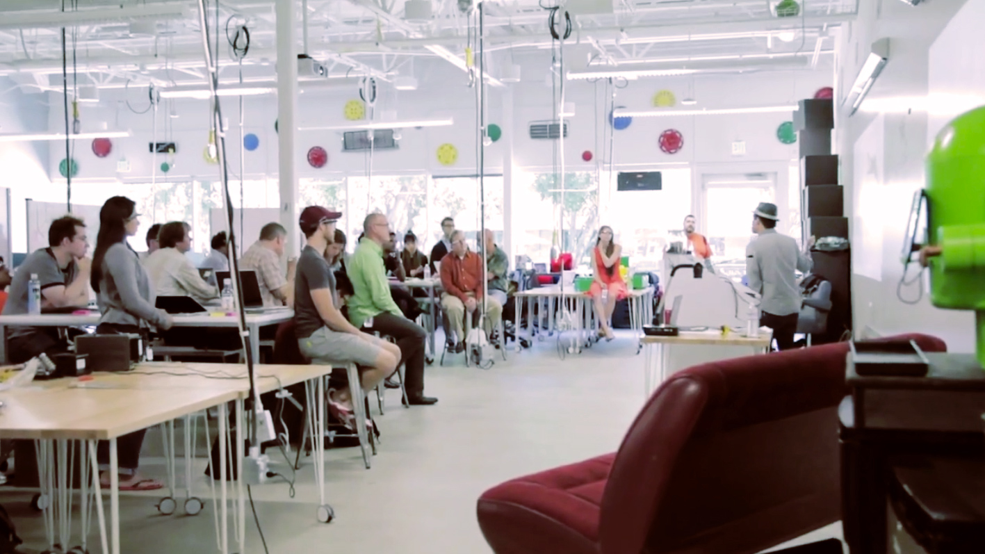 Super How Googles Flexible Workspace Ignites Creative Collaboration On Largest Home Design Picture Inspirations Pitcheantrous